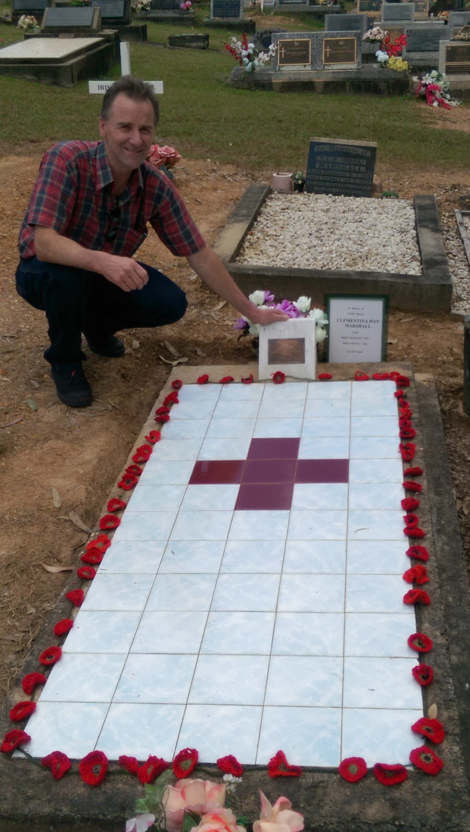 DONALD MARSHALL WITH CLEMENTINA AT GRAVESITE URUNGA NSW ANZAC DAY 2015