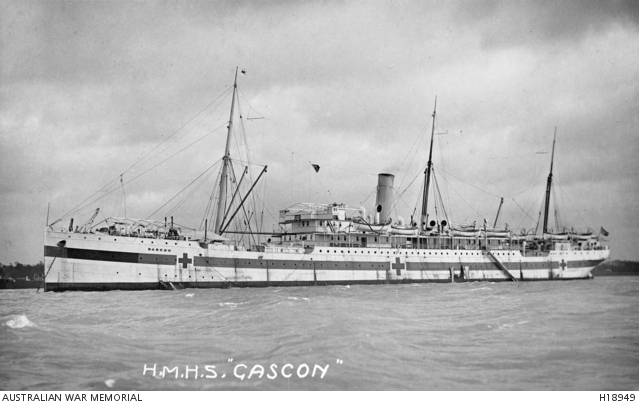 HOSPITAL SHIP HS GASCON STANDING AT WHARF UNLOADING INJURED & WOUNDED DURING WW1 IN 1915
