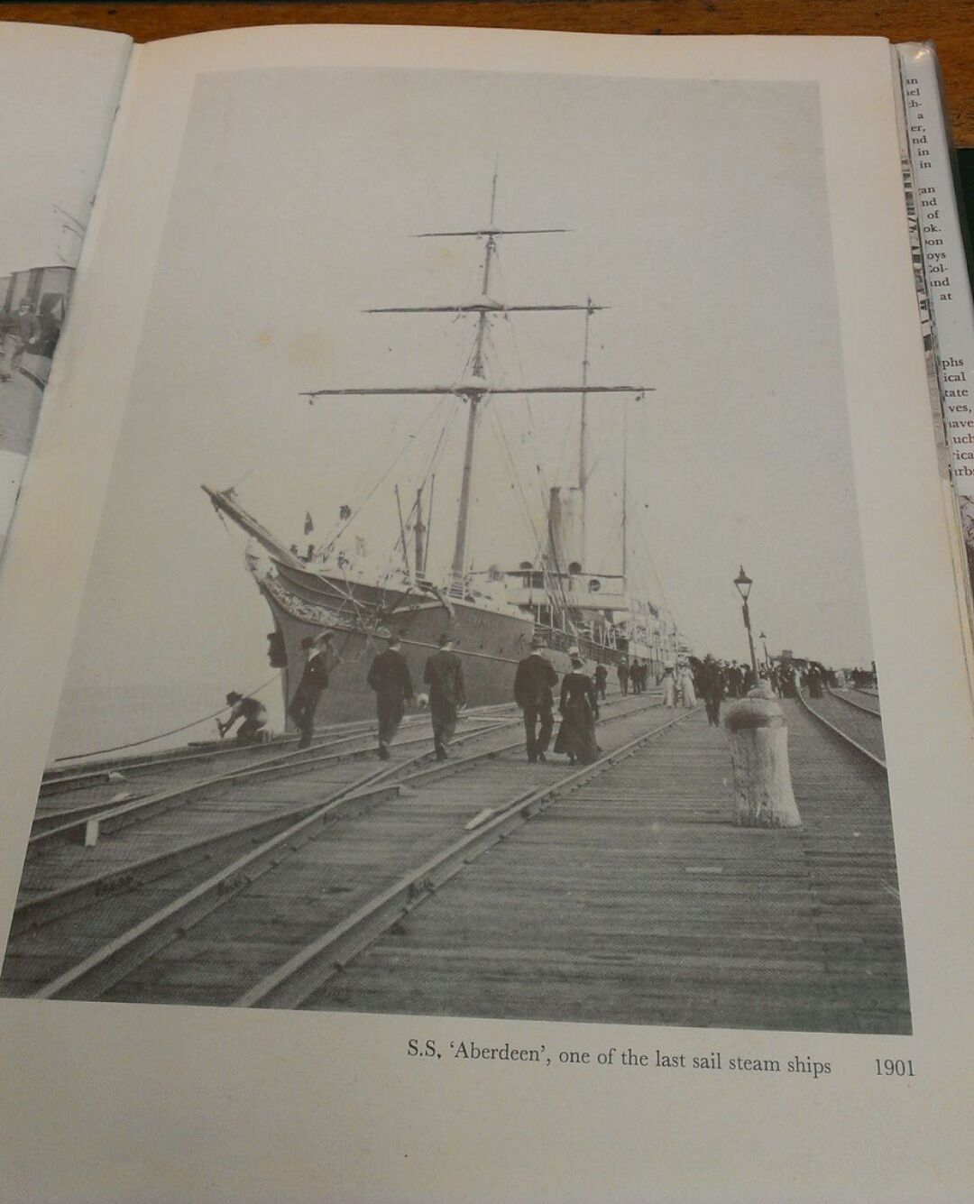 STEAM SAILING SHIP SS ABERDEEN DOCKED AT MELBOURNE PRINCES PIER IN 1901. THIS IS THE SHIP THAT BROUG