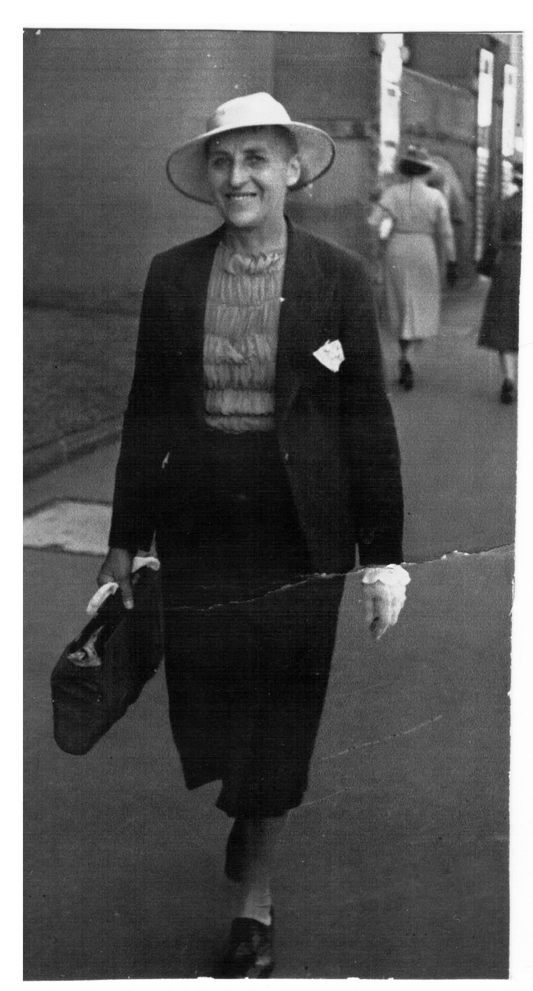 Clementina Marshall, 1940,  SMILING PROUDLY, dressed in a smart suit walking proudly in Sydney about