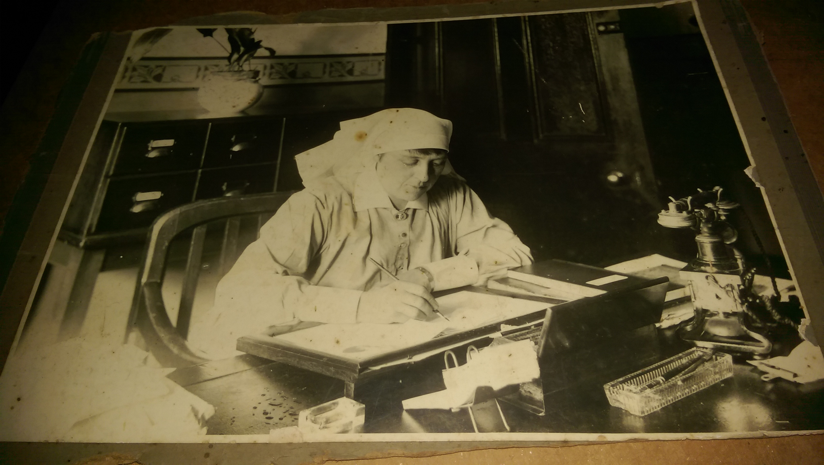 MATRON CLEMENTINA MARSHALL WORKING AT SYDNEY HOSPITAL MATRONS DESK AUGUST 1921