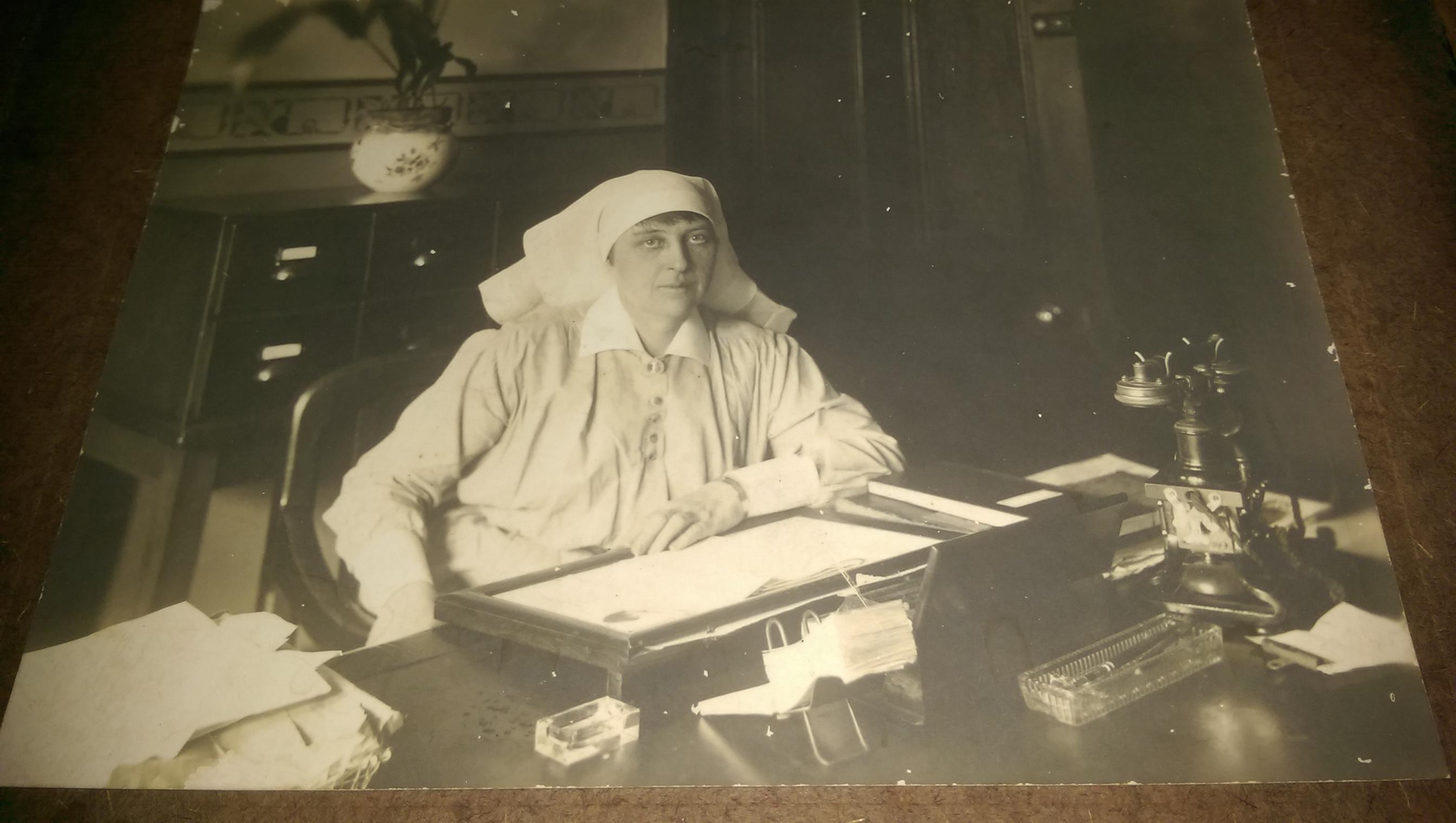 MATRON CLEMENTINA MARSHALL WORKING AT SYDNEY HOSPITAL MATRONS DESK AUGUST 1921
